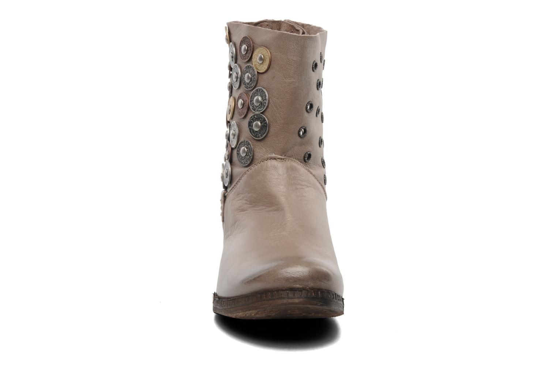Bottines et boots Khrio Bala Beige vue portées chaussures