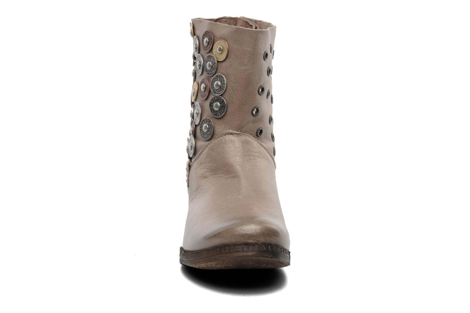Ankle boots Khrio Bala Beige model view