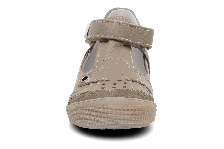 Sandales et nu-pieds Bopy BRICO Beige vue portées chaussures