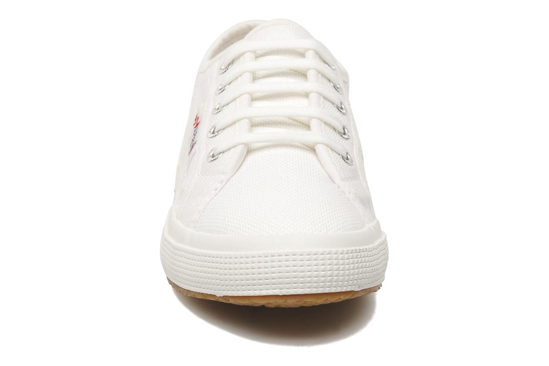 Baskets Superga 2750 J Cotu Classic Blanc vue portées chaussures