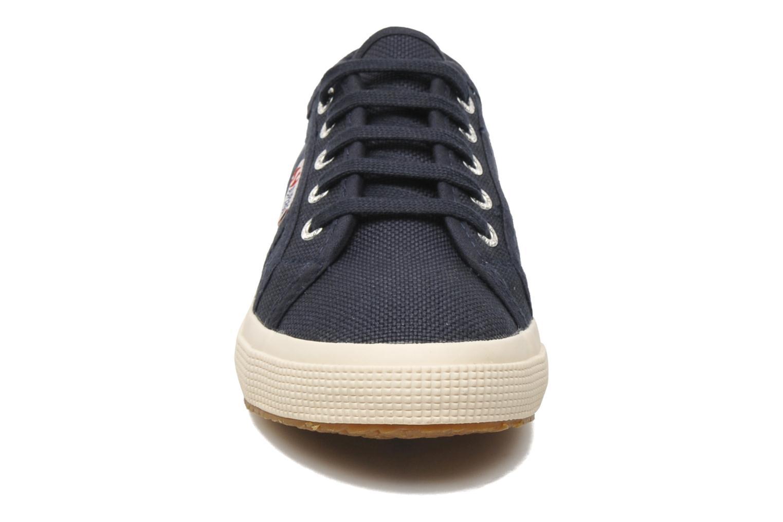 Baskets Superga 2750 J Cotu Classic Bleu vue portées chaussures