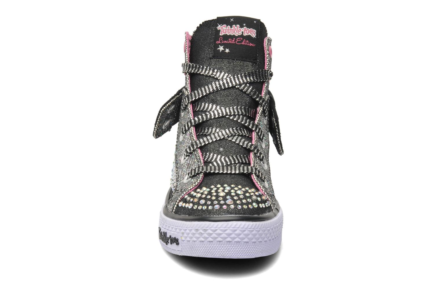 Sneakers Skechers Shuffles Rock n' Beauty Sort se skoene på