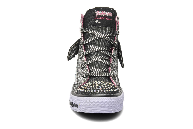 Sneakers Skechers Shuffles Rock n' Beauty Nero modello indossato