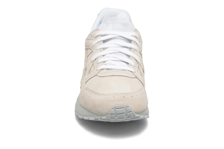 Baskets Asics Gel-Lyte V Blanc vue portées chaussures