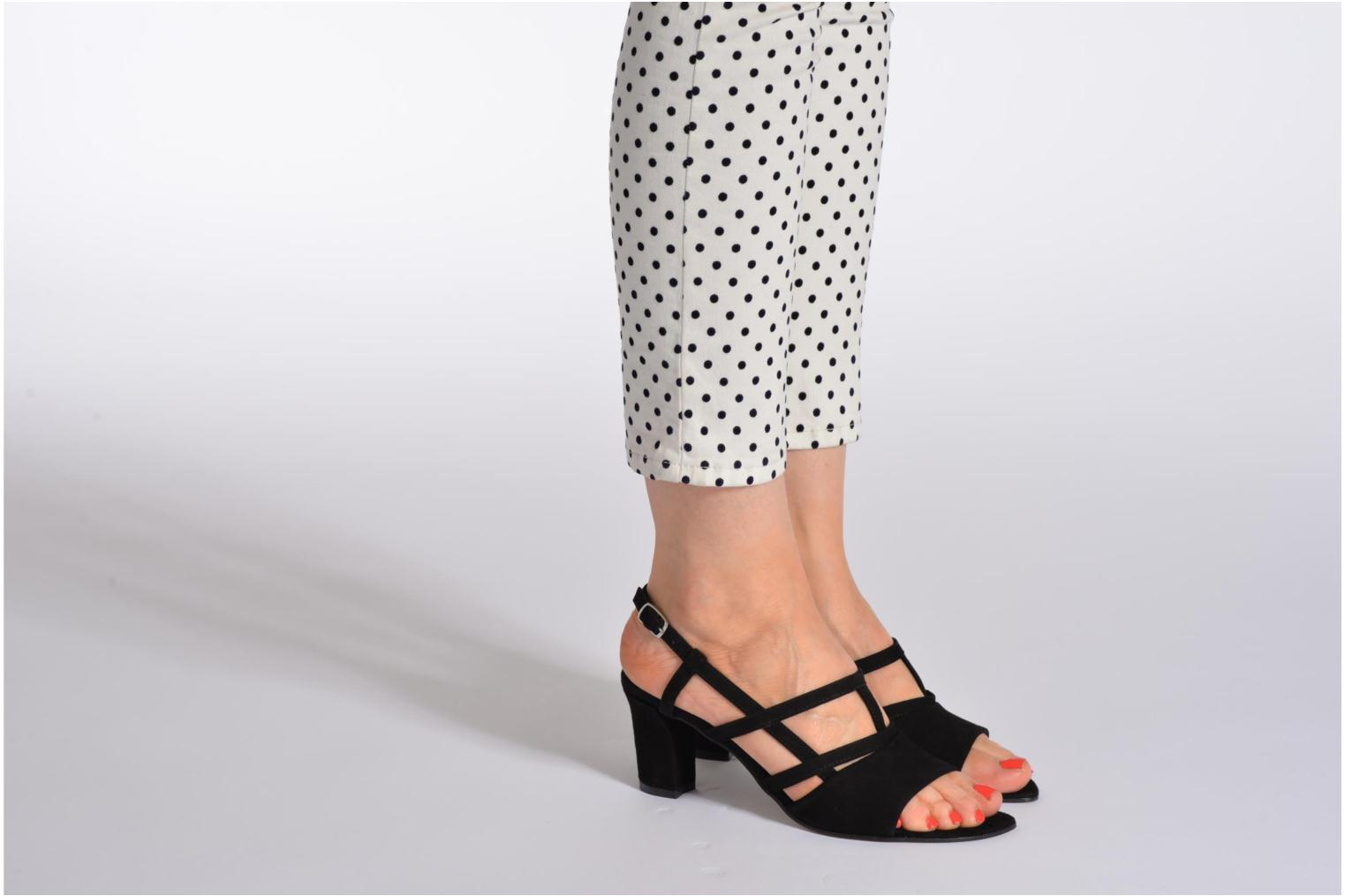 Sandals Elizabeth Stuart Bamby 300 Black view from underneath / model view
