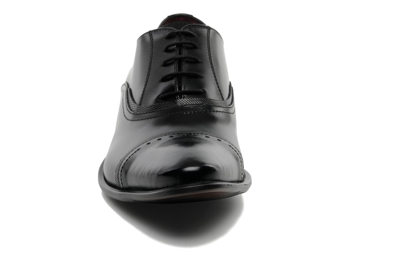 Zapatos con cordones Redskins Provins Negro vista del modelo
