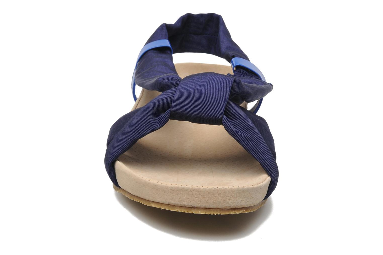 Sandalen Ruby Brown Rachel blau schuhe getragen
