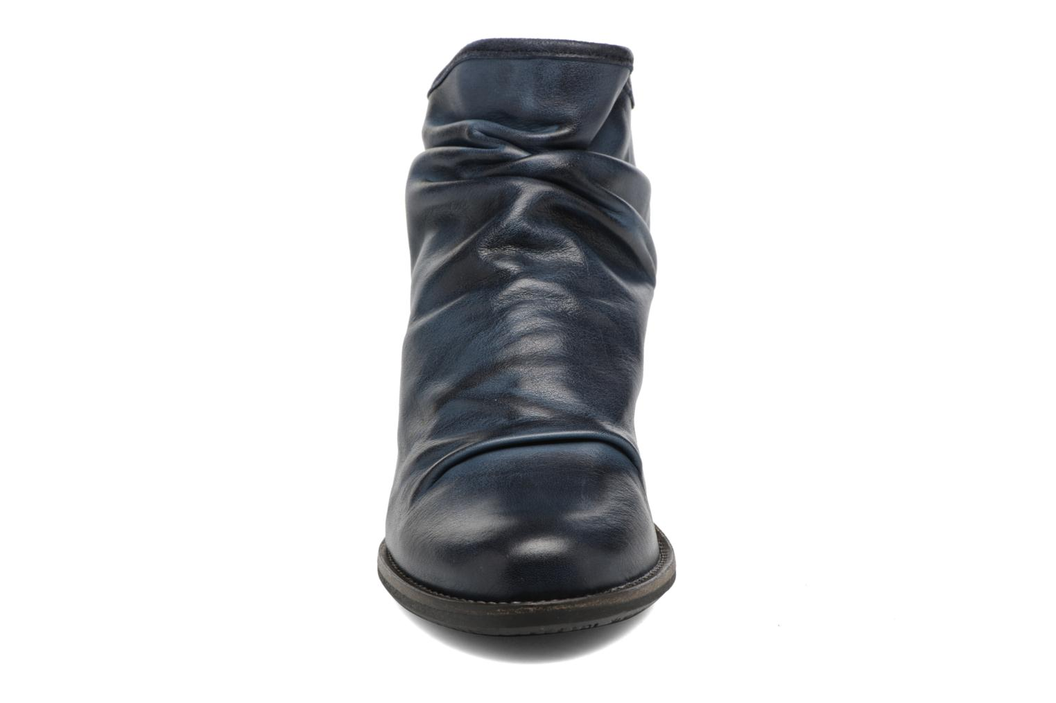 Carter Deep Navy 004