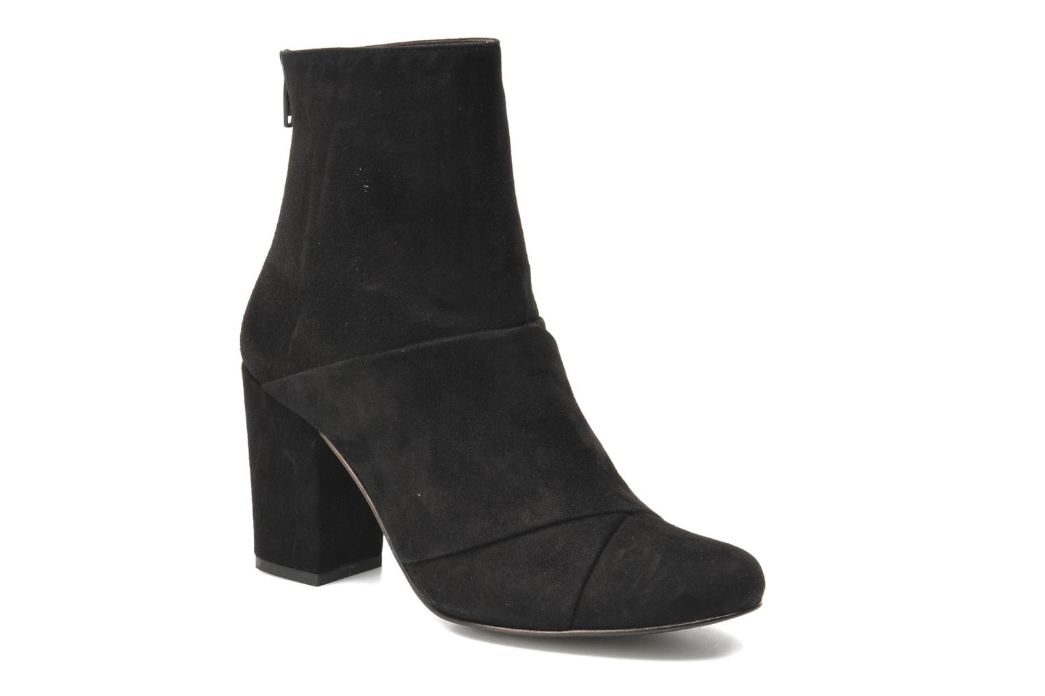 Curtain Boot Black Suede