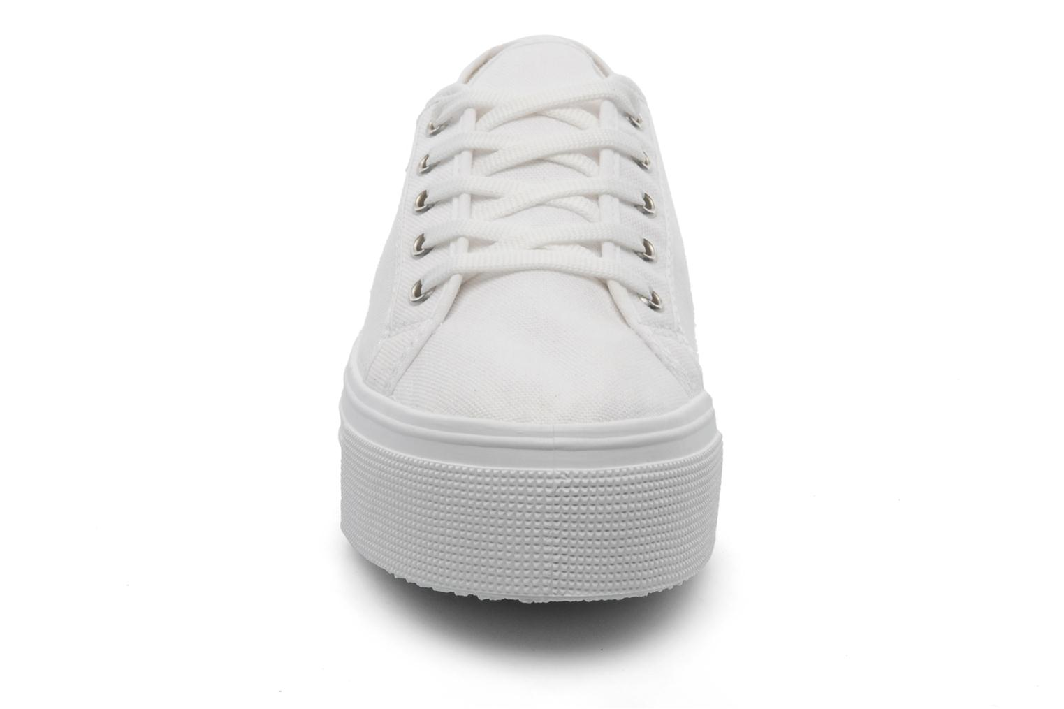 Baskets US Marshall Game Blanc vue portées chaussures