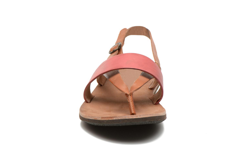 Sandales et nu-pieds Kickers spartong Rose vue portées chaussures