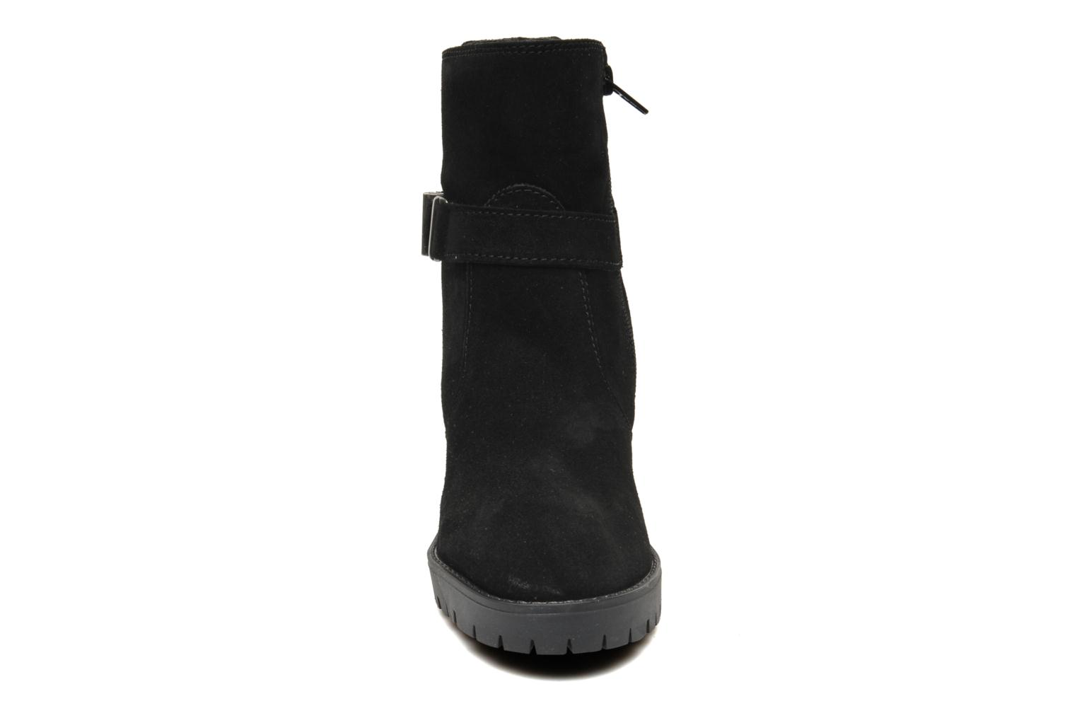 Ankle boots Esprit Baily Buckle 022 Black model view