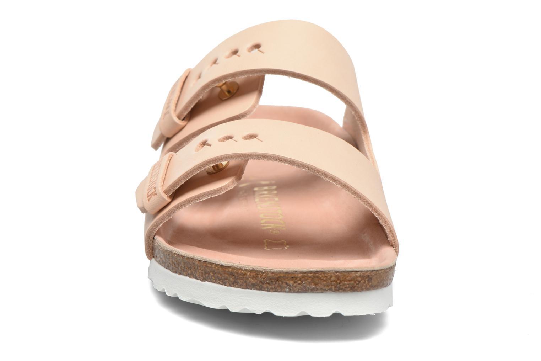 Mules et sabots Birkenstock Arizona Cuir W Beige vue portées chaussures