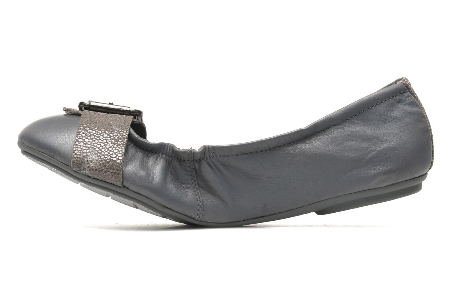 Finnley Chaste Grey leather