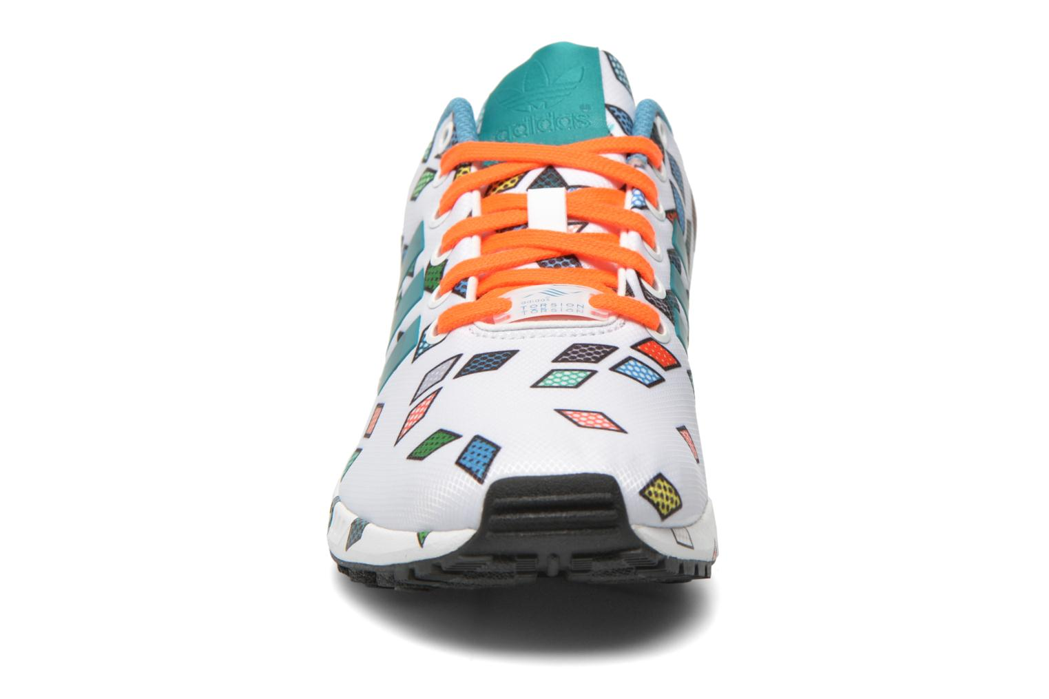 Sneakers Adidas Originals Zx Flux Wit model