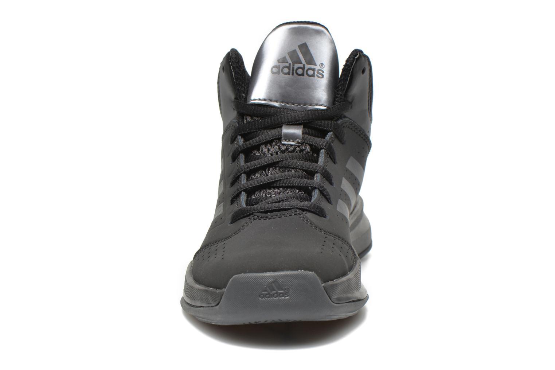 Sneaker Adidas Performance Isolation 2 K schwarz schuhe getragen