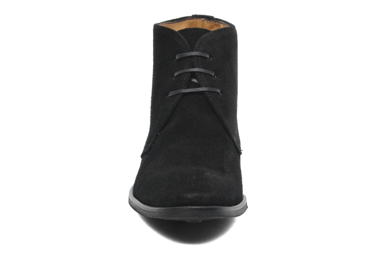 Bottines et boots Georgia Rose Amaretto Noir vue portées chaussures