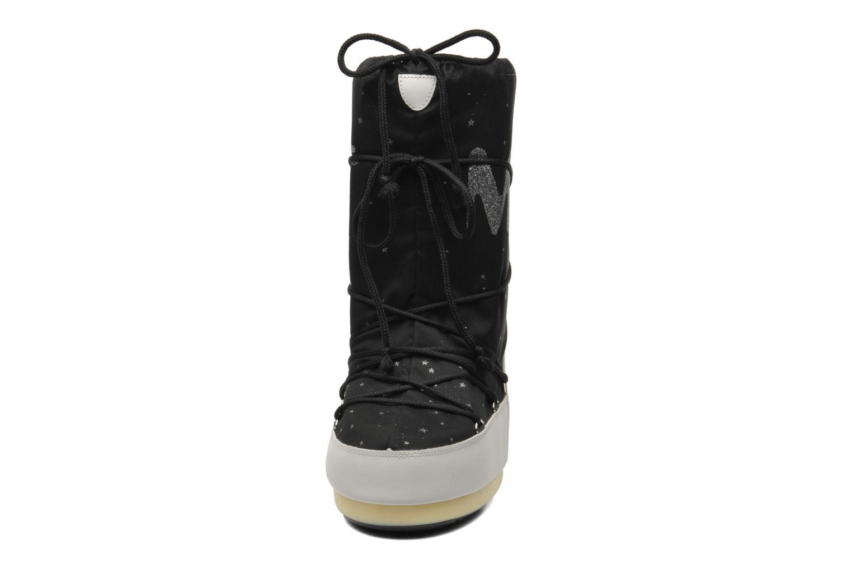 Bottes Moon Boot Space Noir vue portées chaussures
