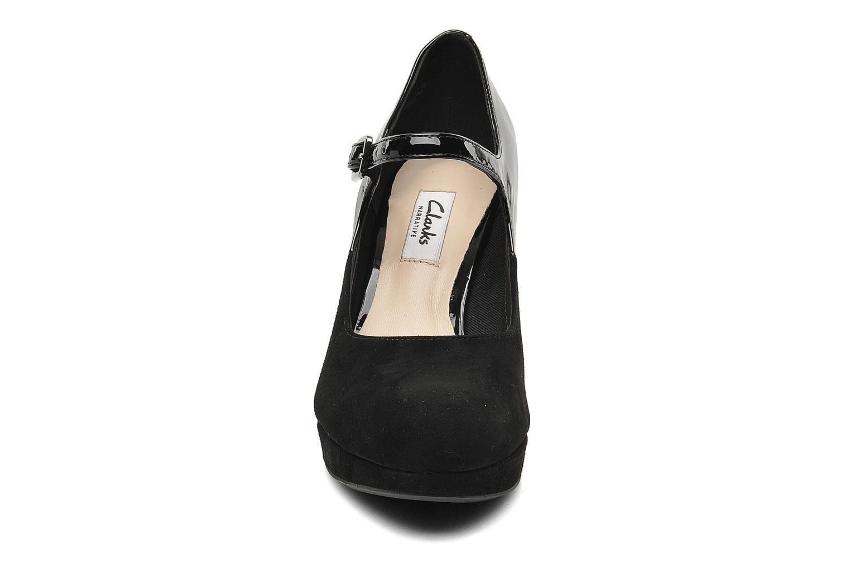 Pumps Clarks Angie Kendra Svart bild av skorna på