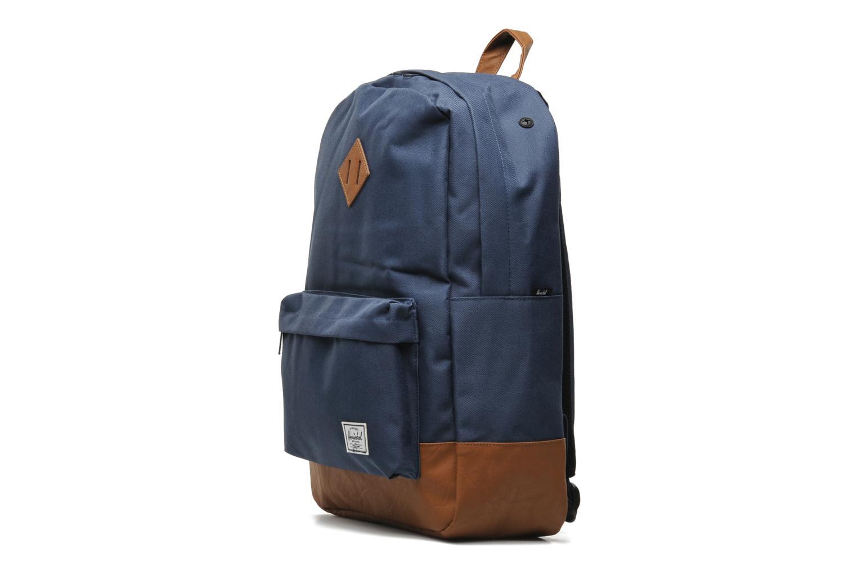 Rucksäcke Herschel Heritage blau schuhe getragen