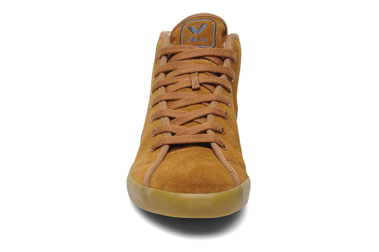 Trainers Veja Taua Mid Suede Fourre Brown model view