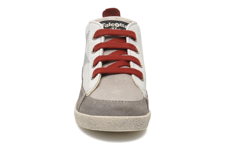 Baskets Naturino Pitti 1287 Blanc vue portées chaussures
