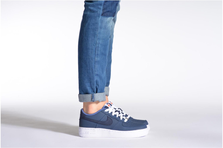 Sneaker Nike Air Force 1 (Gs) blau ansicht von unten / tasche getragen