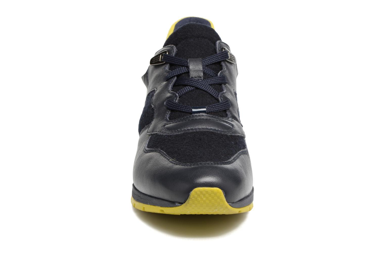 Baskets Geox D SHAHIRA A D44N1A Bleu vue portées chaussures