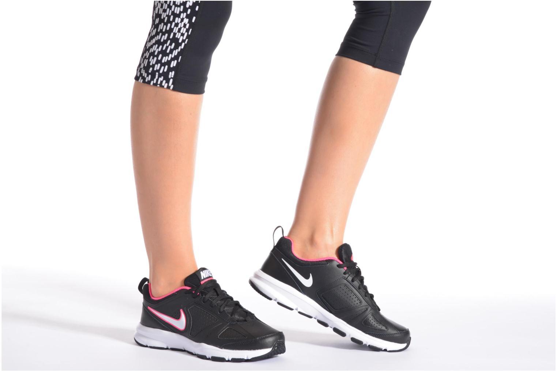 Sportschuhe Nike Wmns T-Lite Xi weiß ansicht von unten / tasche getragen