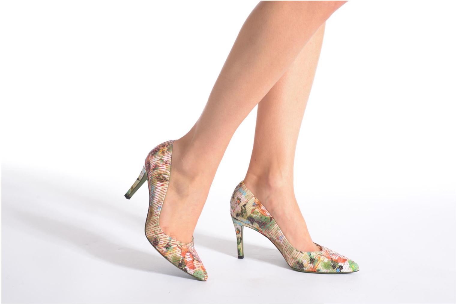 High heels Free Lance Itlys 7 Pumps Grey view from underneath / model view