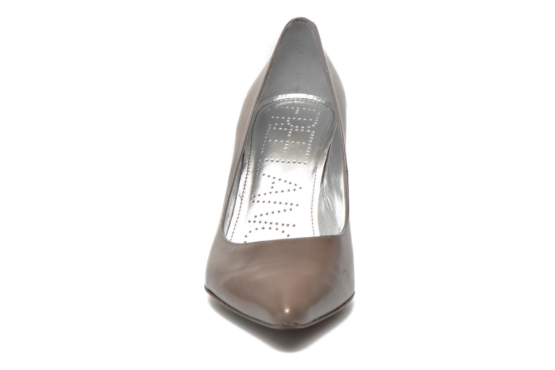 Escarpins Free Lance Itlys 7 Pumps Gris vue portées chaussures