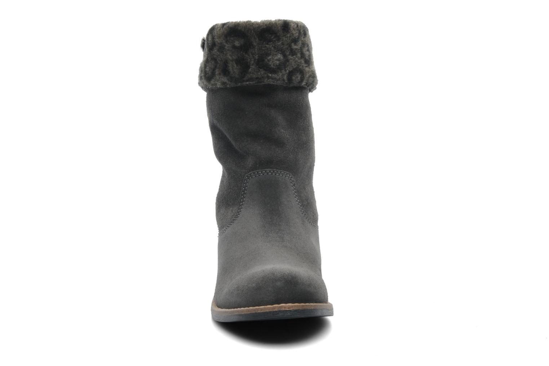 Bottines et boots Le temps des cerises Eva Fur Gris vue portées chaussures