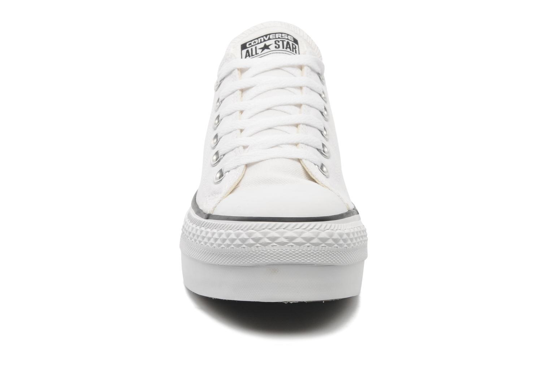 Baskets Converse Chuck Taylor Platform Ox W Blanc vue portées chaussures