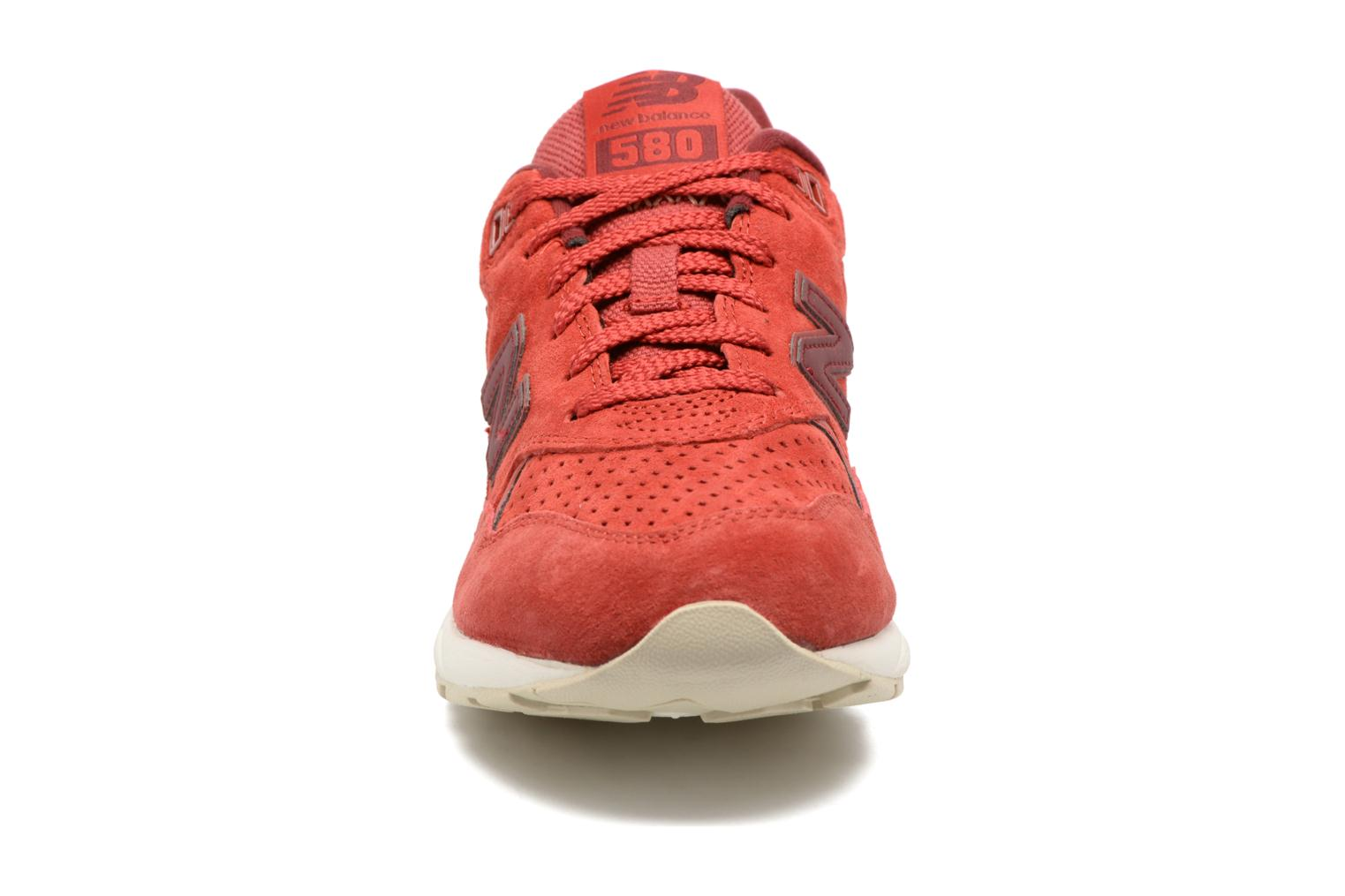 Trainers New Balance WRT580 Red model view