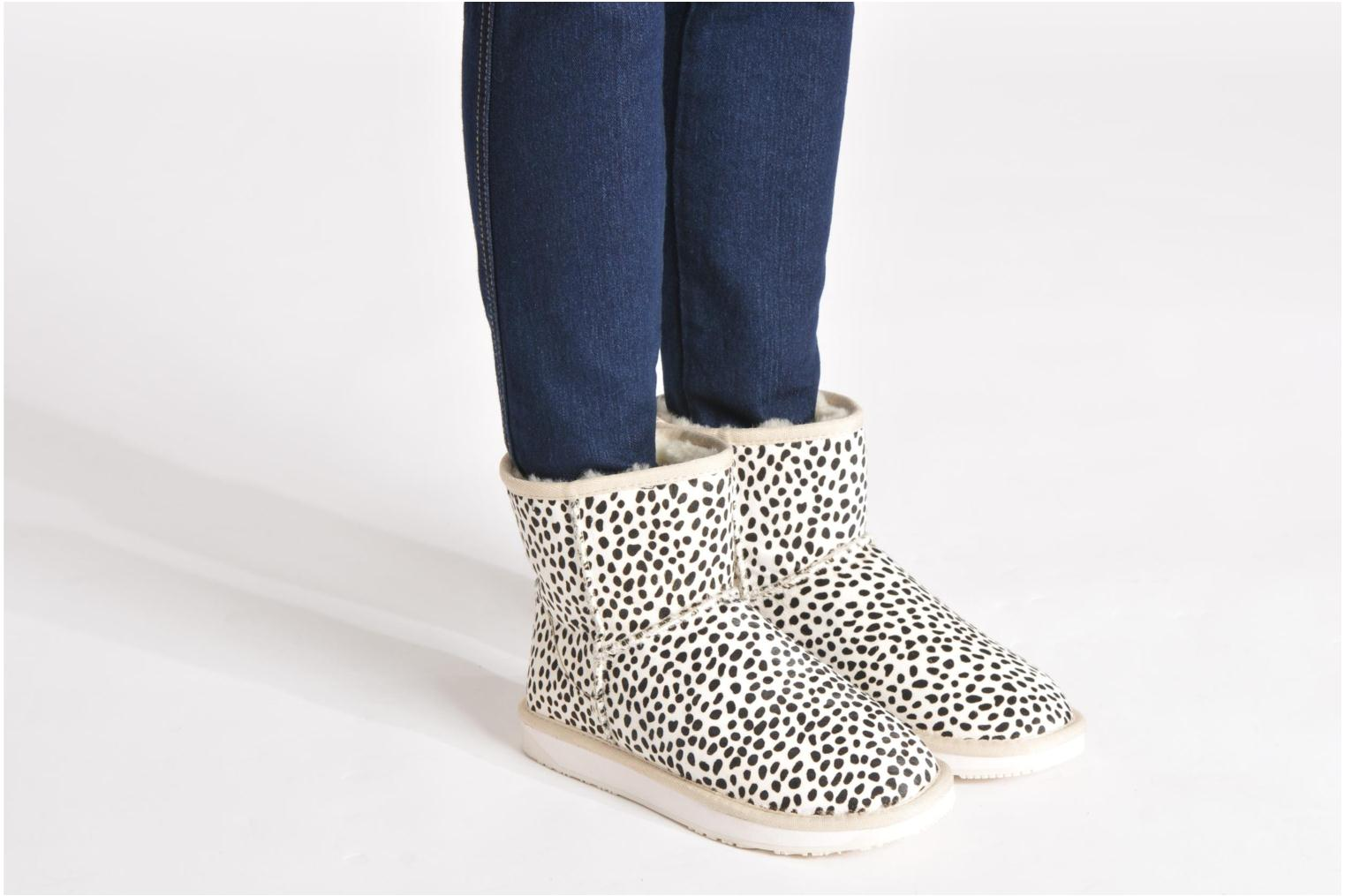 Minnie Grey leopard