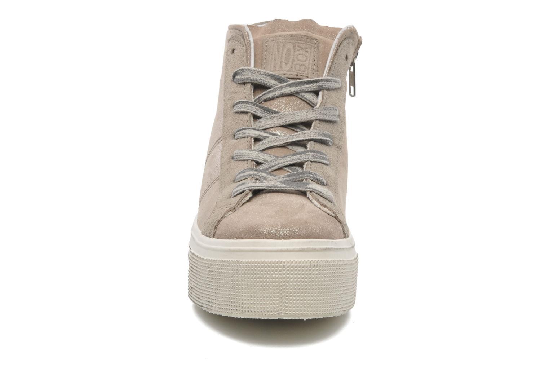 Sneaker No Box Bristol beige schuhe getragen