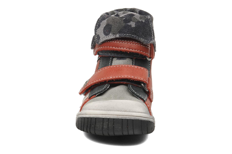 Velcro shoes Babybotte ARTIZOU Red model view