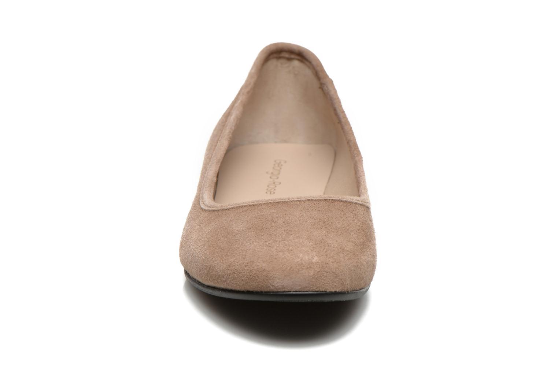 Ballerines Georgia Rose Zabou Beige vue portées chaussures