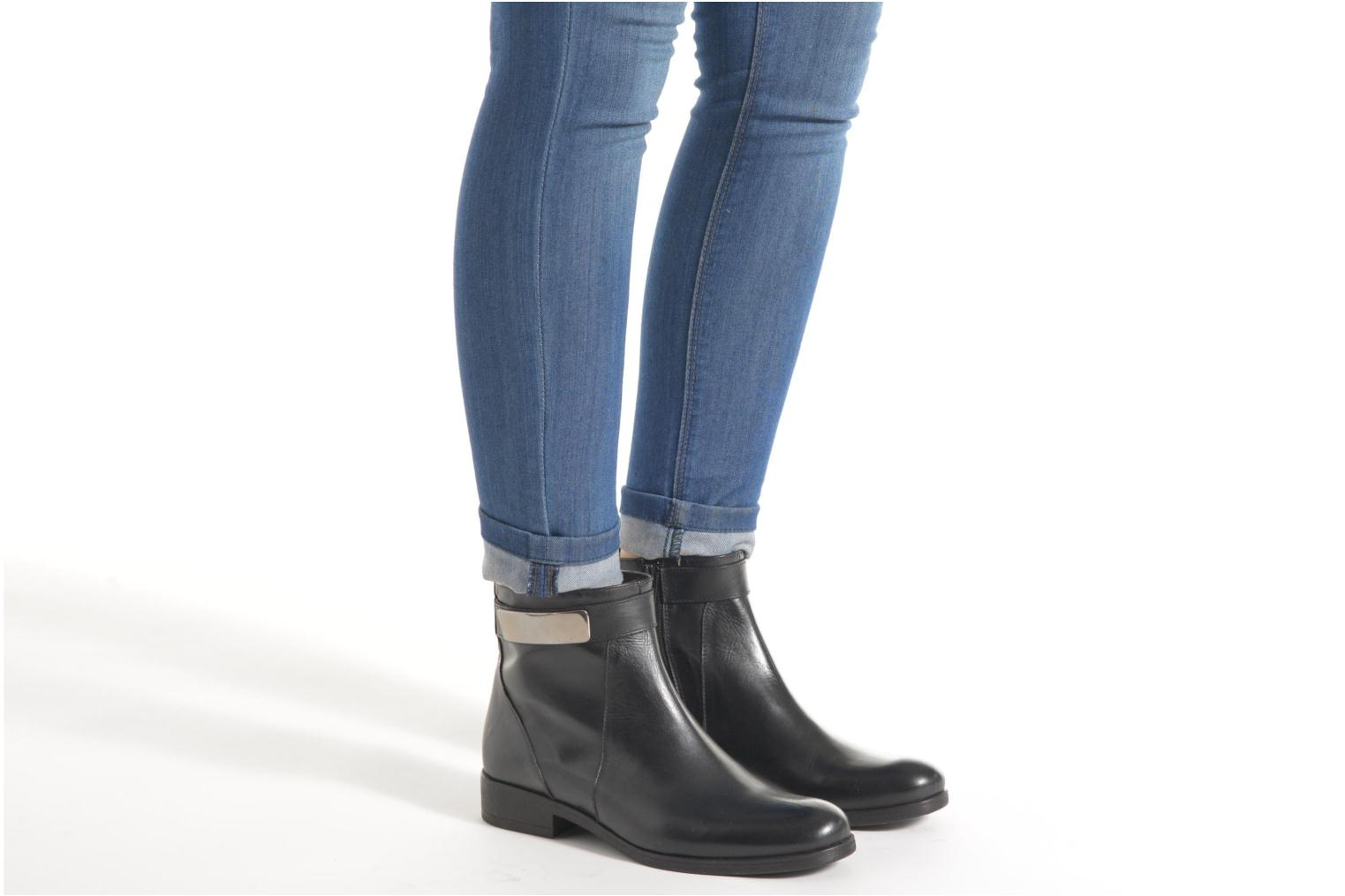 Ankle boots Elizabeth Stuart Cassey 391 Black view from underneath / model view