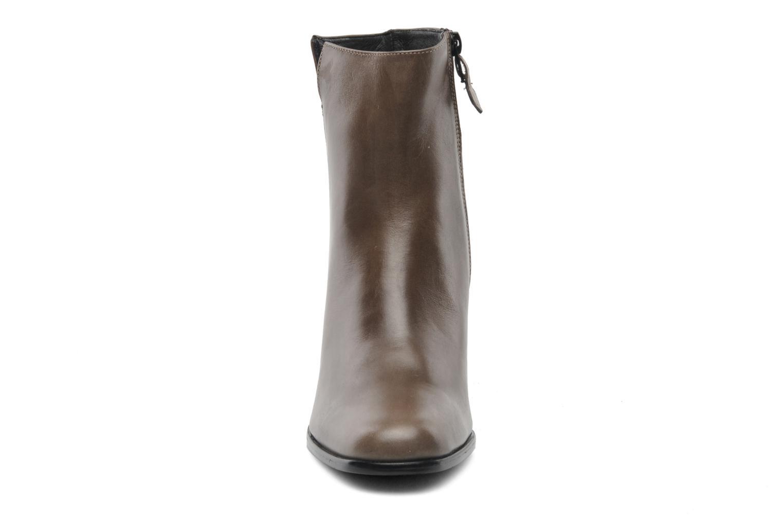Bottines et boots Elizabeth Stuart Gavos 304 Marron vue portées chaussures