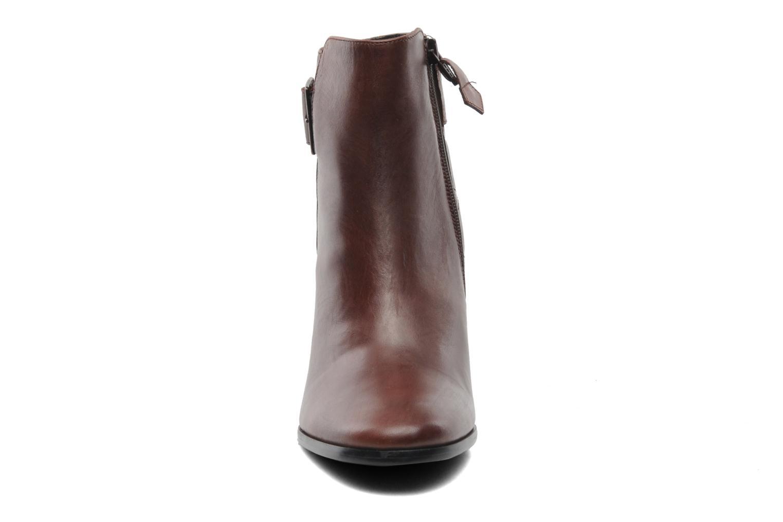 Bottines et boots Elizabeth Stuart Fakir 304 Marron vue portées chaussures
