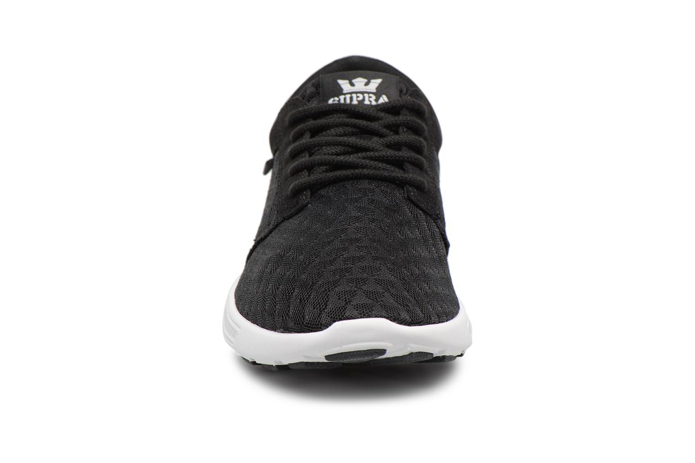 Baskets Supra Hammer Run Noir vue portées chaussures