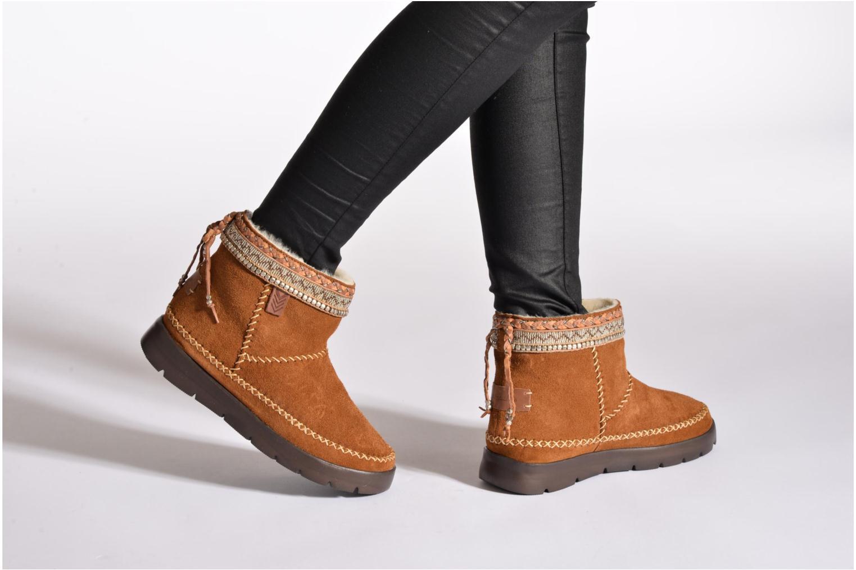 Stiefeletten & Boots Laidback London Nyali braun ansicht von unten / tasche getragen