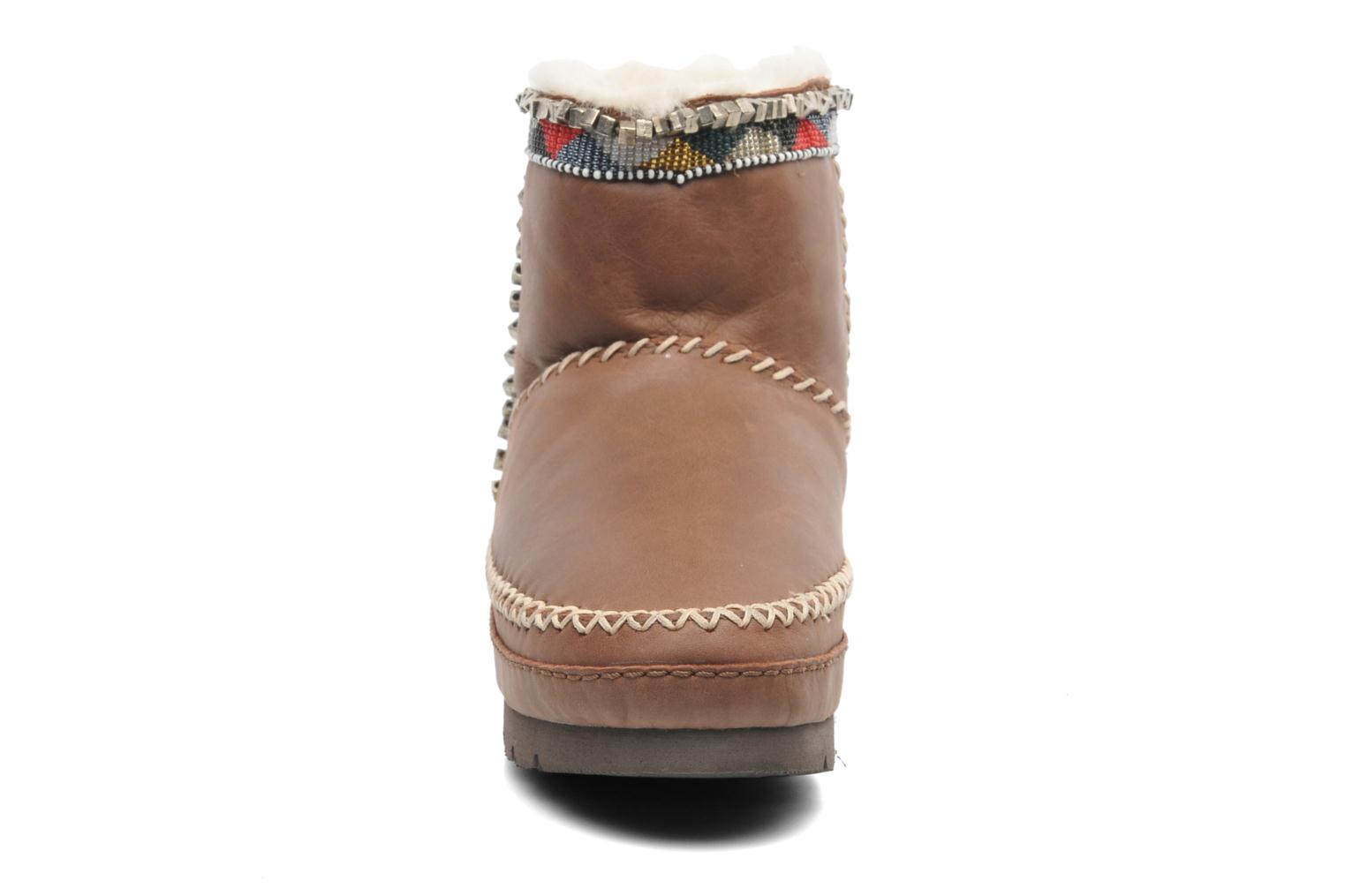 Ankle boots Laidback London Nyali Brown model view