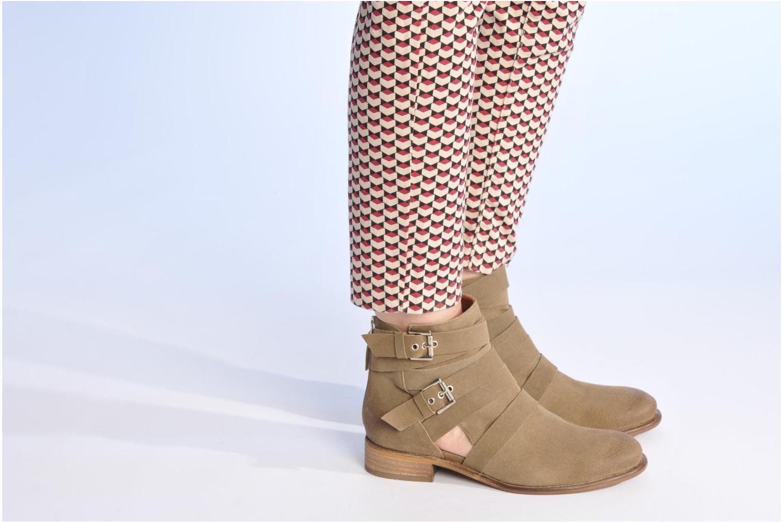 Bottines et boots Made by SARENZA Buttes-Chaumont #7 Beige vue bas / vue portée sac