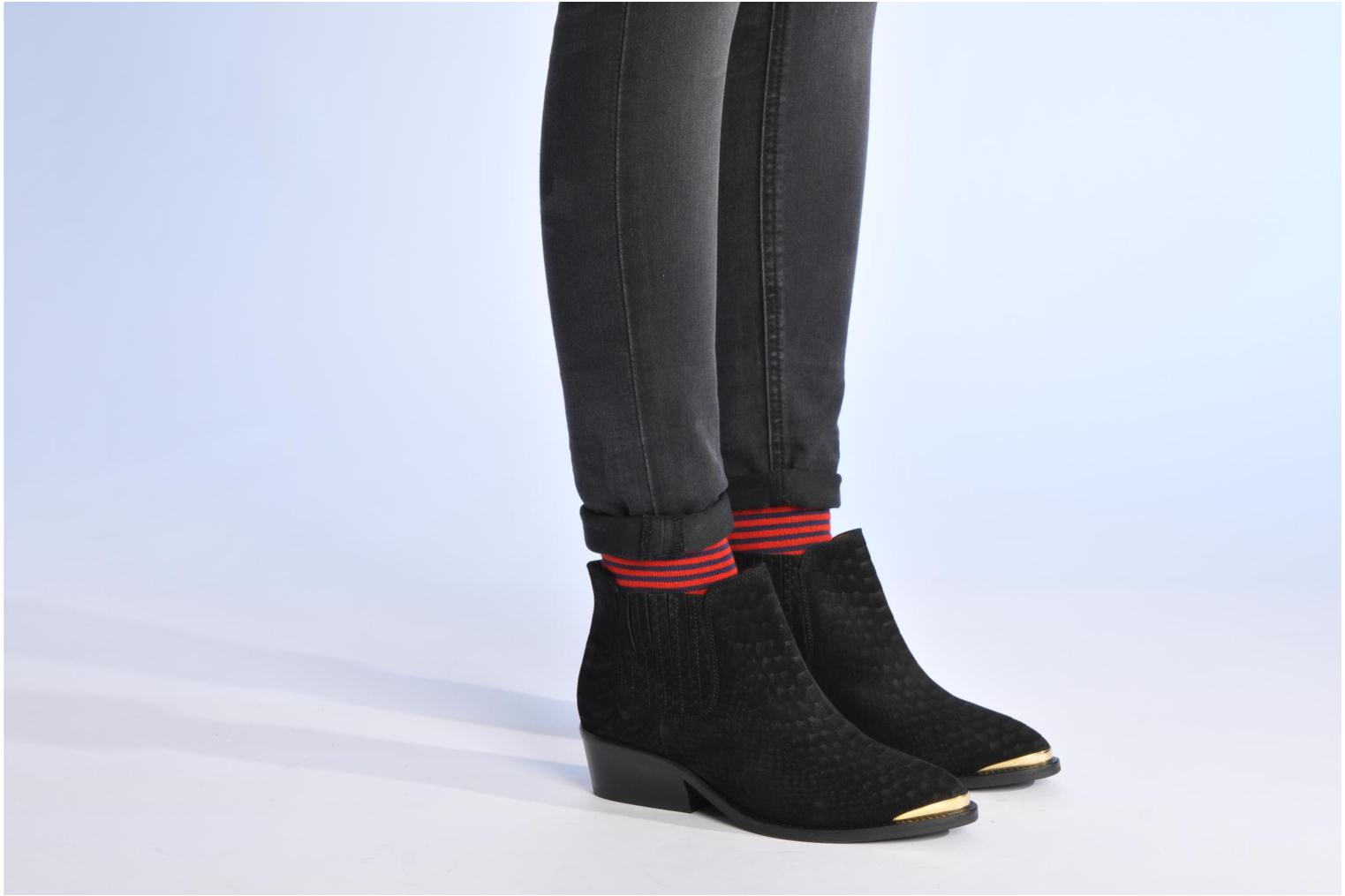 Ankle boots Made by SARENZA Cape Town #3 Black view from underneath / model view