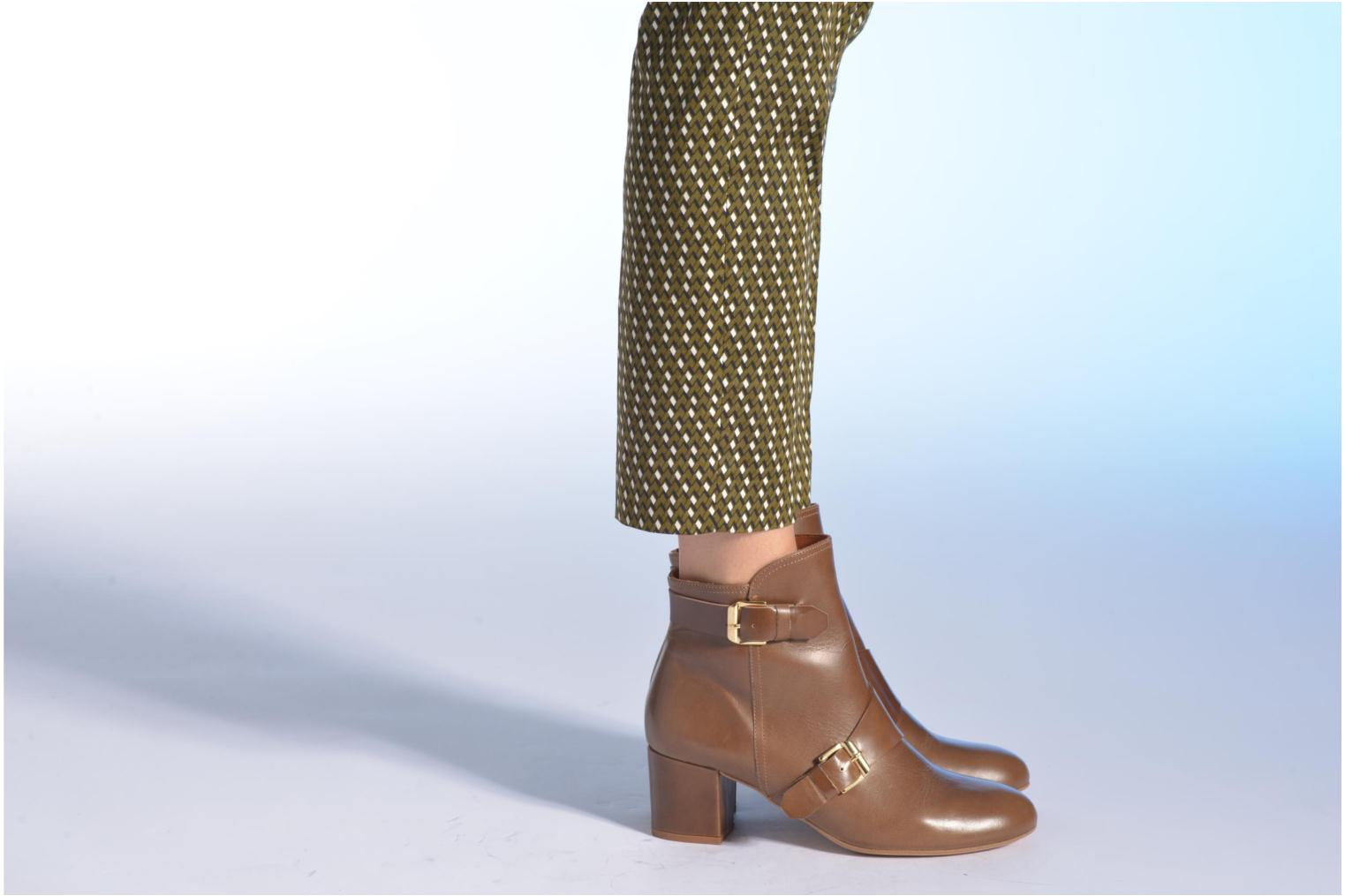Ankle boots Made by SARENZA Chantilly Chérie #4 Brown view from underneath / model view
