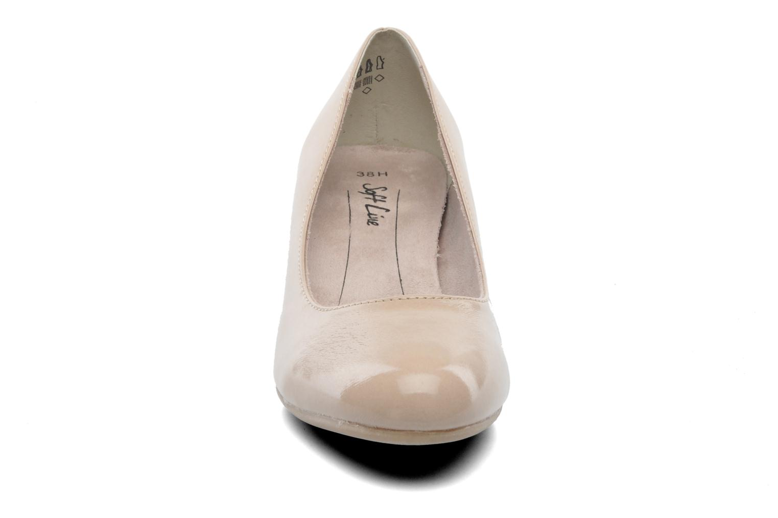 Décolleté Jana shoes Anis Beige modello indossato