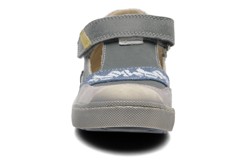 Chaussures à scratch Mod8 QUAMOD Gris vue portées chaussures