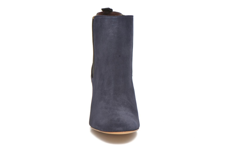Boots Avril Gau Galf Svart bild av skorna på